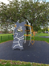 New childrens climbing frame